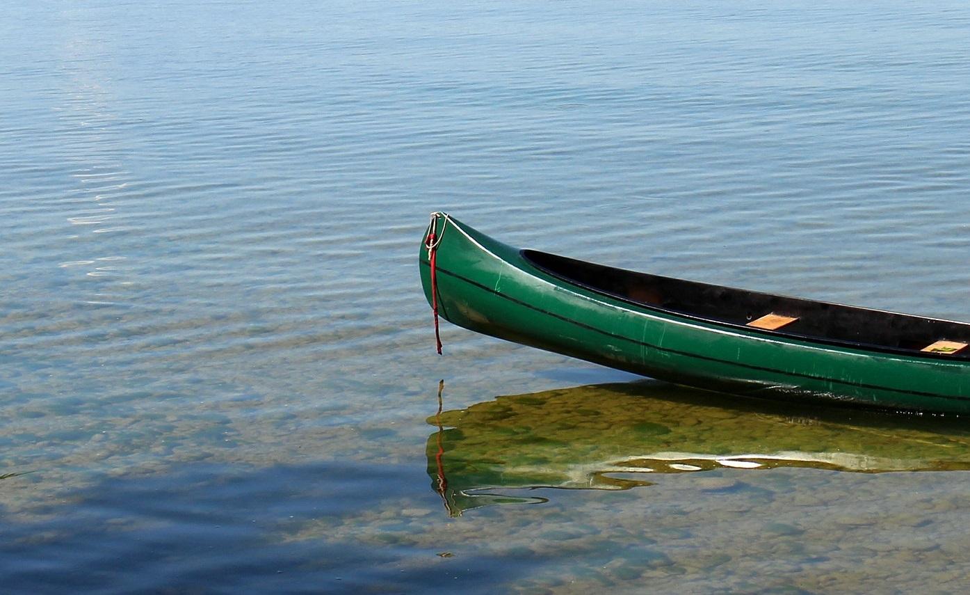 canoe accident lake pickett